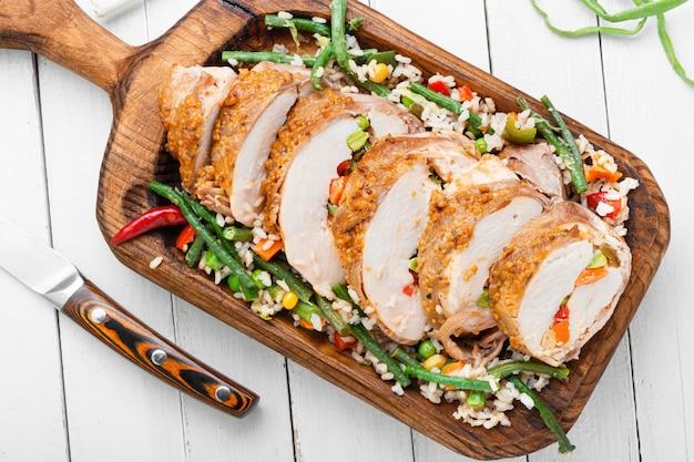 Hähnchenbrust gefülltes gemüse