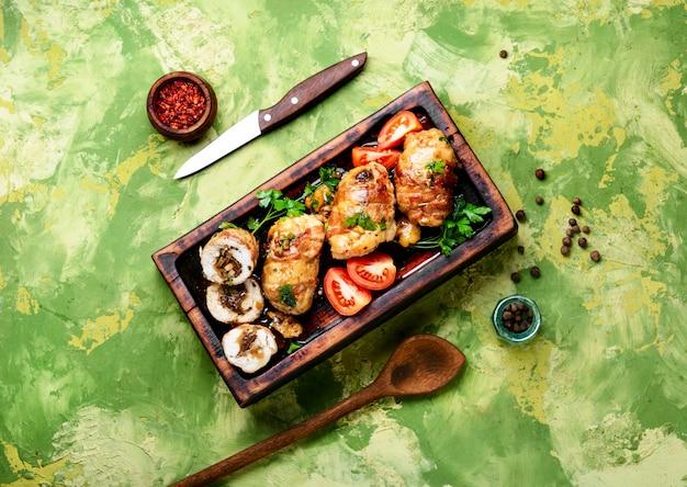 Hähnchenschnitzel mit champignons