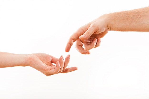 Händchenhalten auf weißem hintergrund.