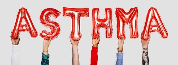 Hände, die asthma zeigen, steigt wort im ballon auf