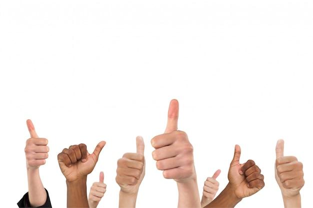 Hände, die eine positive geste zeigt