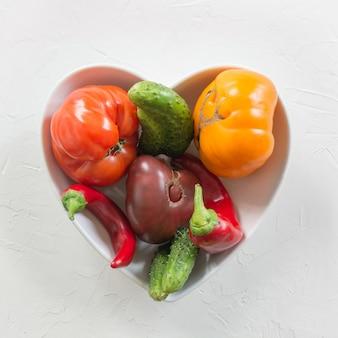 Hässliche tomaten, paprika, gurken