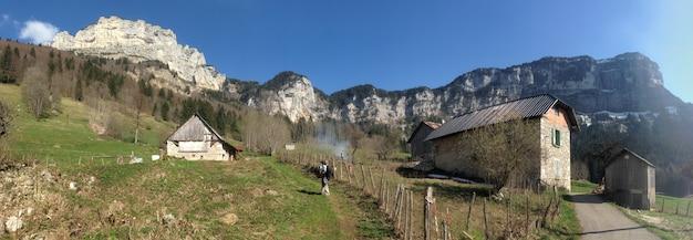 Häuser in einem kleinen dorf in chartreuse (frankreich)