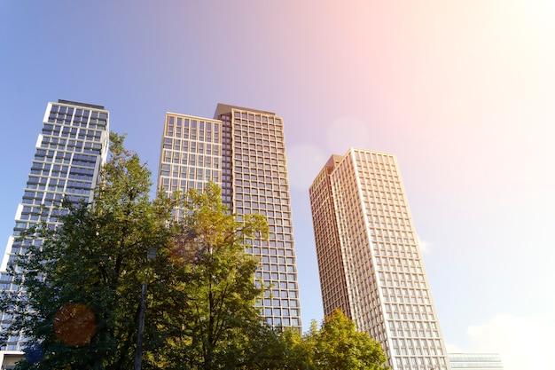 Häuser von luxuswohnungen vor blauem himmel im sonnenlicht