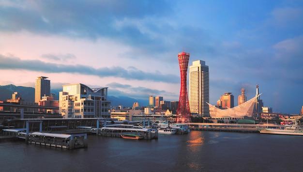 Hafen von kobe tower