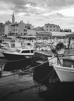Hafen von rovinj kroatien