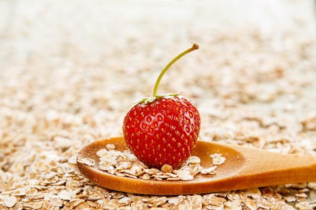 Haferflocken und erdbeere