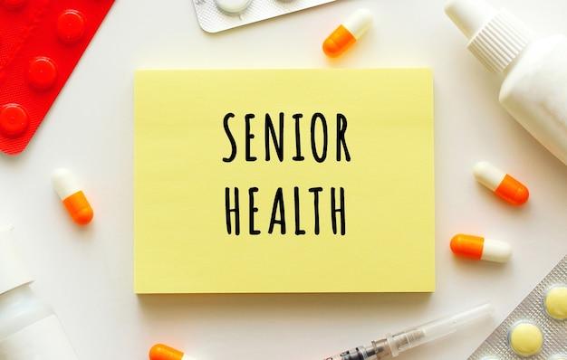 Haftnotiz mit text senior gesundheit