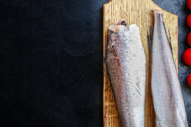 Hake rohen fisch geschnitten meeresfrüchte zutat bio-essen