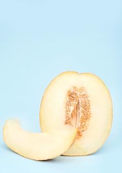 Halbgelbe melone