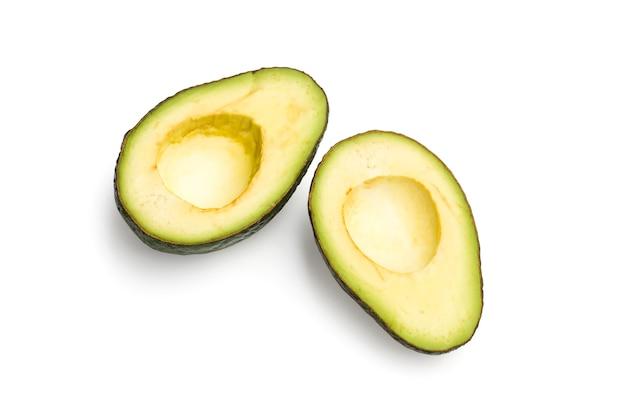 Halbierte avocado ohne kerne