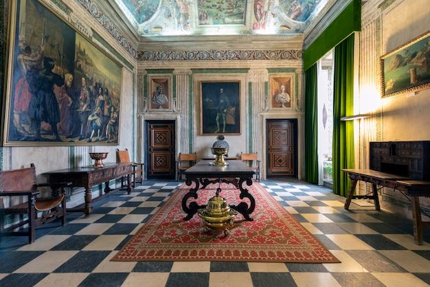 Halle des palastes des marquis von santa cruz