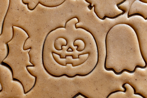 Halloween ausstecher teig kürbis fledermaus geist kochen