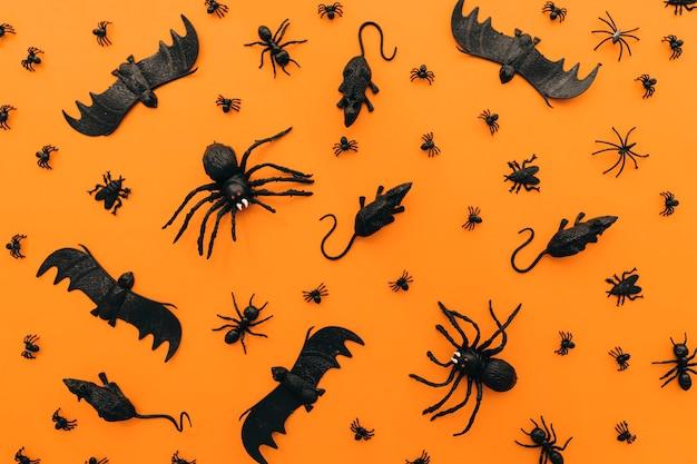 Halloween-dekoration mit fledermäusen und ratten