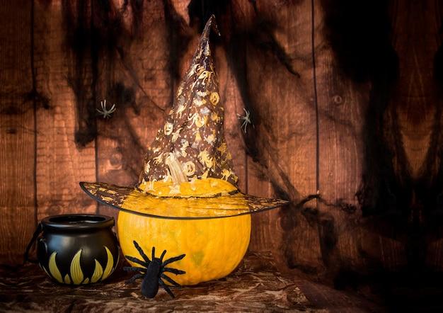 Halloween-dekoration mit kürbis und spinne