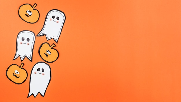 Halloween-dekorationen mit lustigen gesichtern
