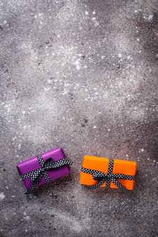 Halloween hintergrund mit geschenkbox