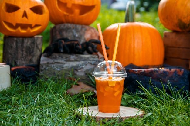 Halloween. jack-o-laterne. beängstigender kürbis