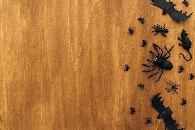 Halloween-komposition mit platz auf der linken seite