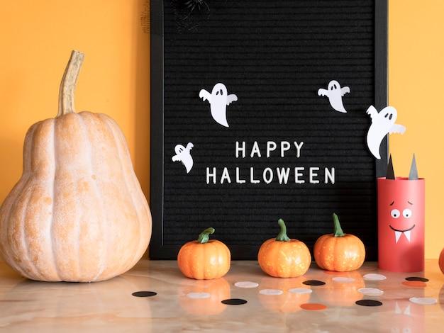 Halloween-konzept der vorderansicht mit begrüßung