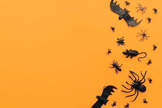 Halloween-konzept mit insekten und platz auf der linken seite
