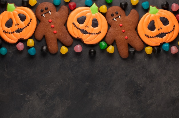 Halloween kürbis, fledermaus und lebkuchenmann.