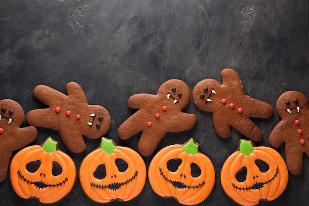 Halloween-kürbis und fledermausplätzchen.