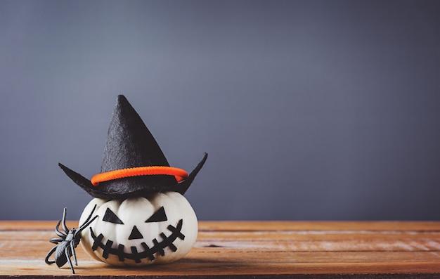 Halloween kürbiskopf jack o laterne lächeln gruselig und spinne