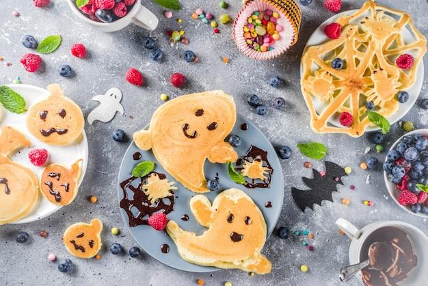 Halloween scherzt lustige pfannkuchen