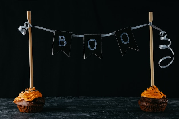 Halloween süßigkeiten, schokoladen cupcakes