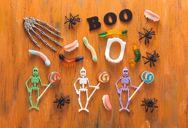 Halloween süßigkeiten und dekorationen