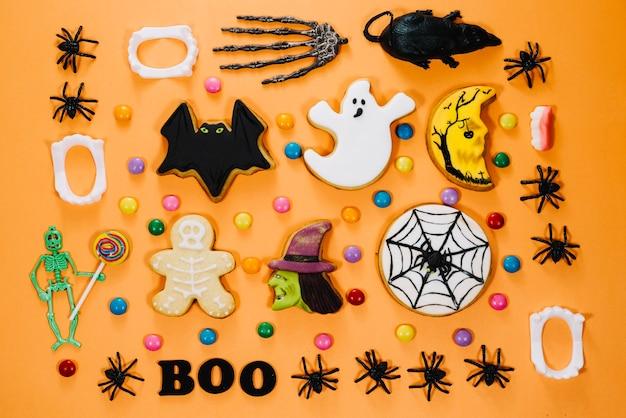 Halloween symbole auf holztisch