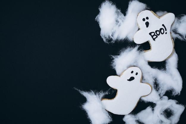 Halloween verzierte selbst gemachte ingwerplätzchen