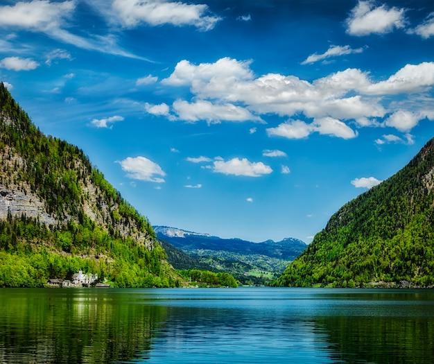 Hallstatter siehe bergsee in österreich