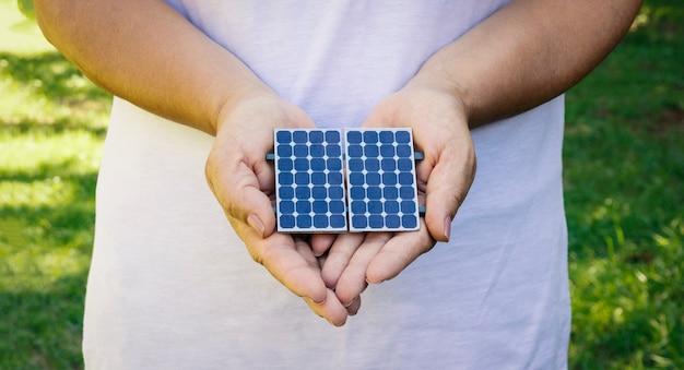 Halten solarenergie photovoltaik-panel