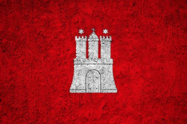 Hamburg-flagge gemalt auf schmutzwand