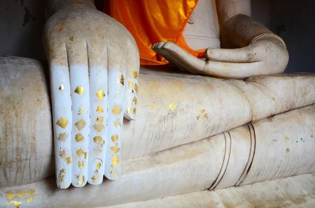 Hand der buddha-statue