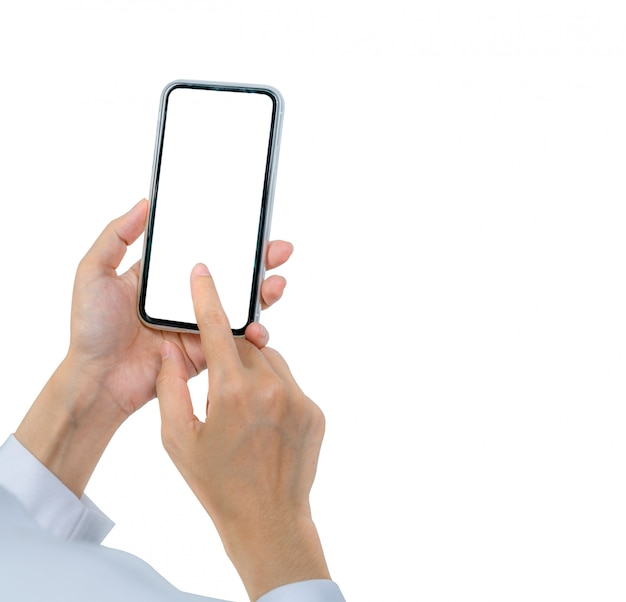 Hand der frau, die smartphone hält und benutzt. nahaufnahme hand, die smartphone mit leerem bildschirm isoliert handys mit leerem bildschirm berührt.