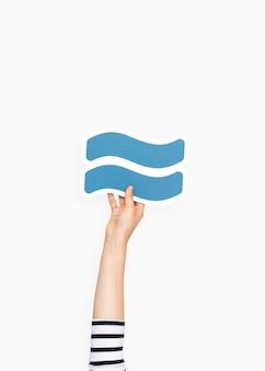 Hand, die annäherungssymbol hält