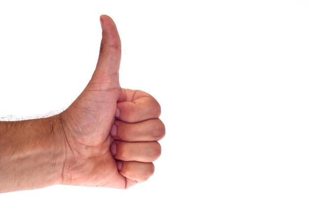 Hand, die ein okayhandzeichen zeigt