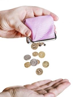 Hand hält den geldbeutel
