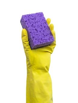 Hand in gummihandschuh mit küchenschwamm isoliert auf weißem hintergrundfoto