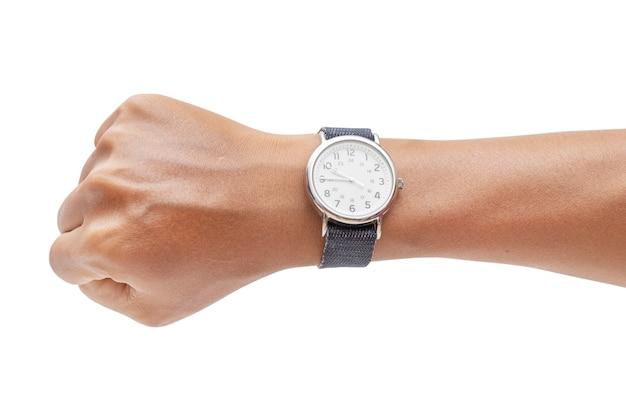 Hand mit der modernen armbanduhr lokalisiert