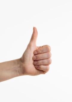 Hand zeigt daumen hoch