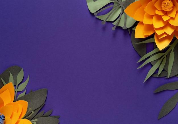 Handcraft kreativer dekorativer blumenrahmen gemacht von den papierblumen und von den blättern