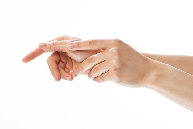 Handcreme massage hautpflege nahaufnahme gesundheit heller hintergrund