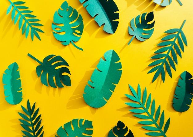 Handgefertigte sammlung aus tropischem botanischem papierhandwerk