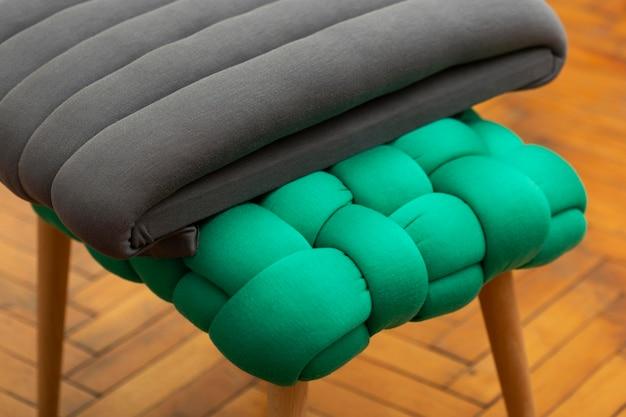 Handgefertigte strukturierte teile aus verschiedenen materialien