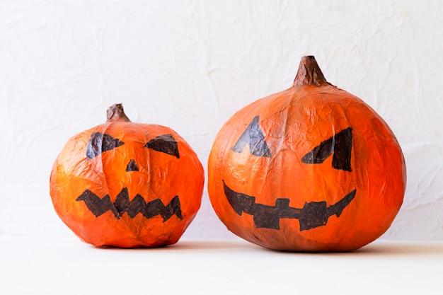 Handgemachte jack-o-laternen für halloween-party