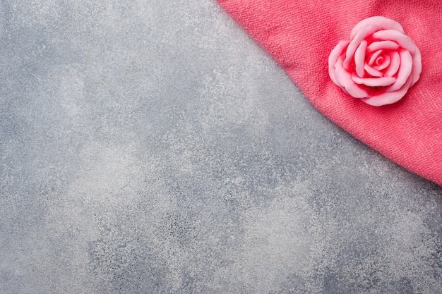 Handgemachte rosenseife, concept spa kosmetik und sauberkeit